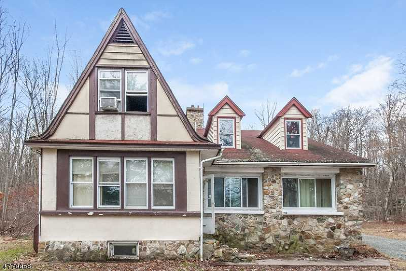 $165,600 - 5Br/3Ba -  for Sale in Jefferson Twp.