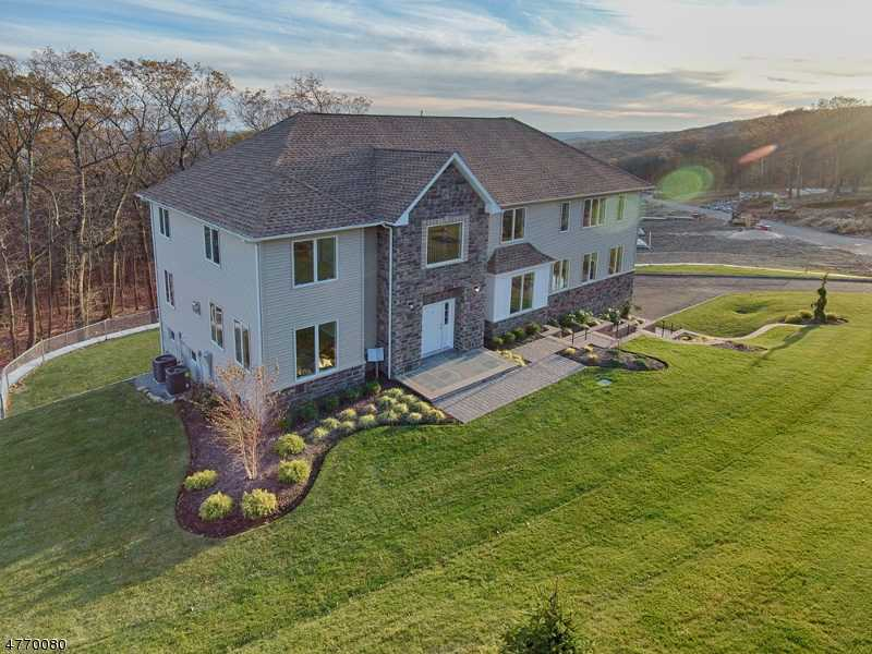 $800,000 - 4Br/3Ba -  for Sale in Parsippany-troy Hills Twp.