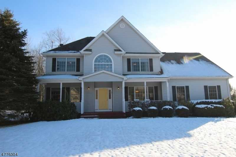 $449,900 - 4Br/3Ba -  for Sale in Hampton Woods, Mount Olive Twp.