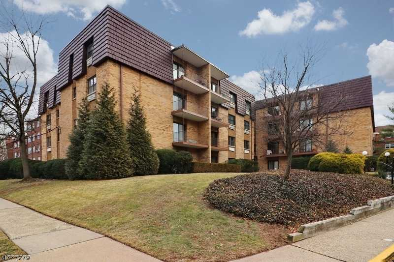 $365,000 - 2Br/2Ba -  for Sale in Northside, Cranford Twp.