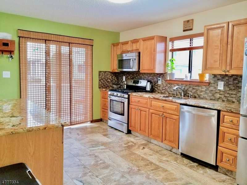 $298,000 - 2Br/3Ba -  for Sale in Whitehall Manor, Franklin Twp.
