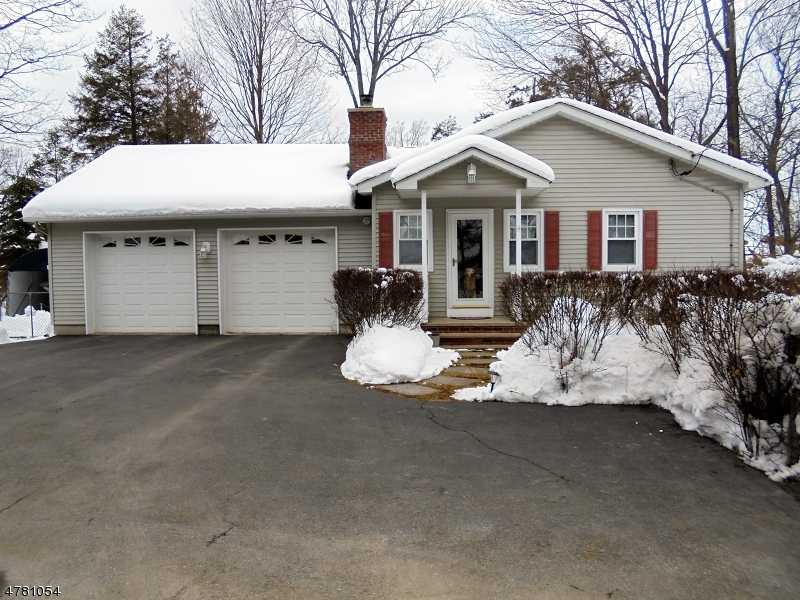 $225,000 - 2Br/1Ba -  for Sale in Upper Greenwood Lake, West Milford Twp.