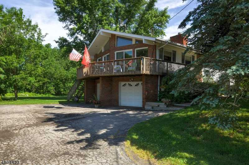 $375,000 - 4Br/3Ba -  for Sale in Frankford Twp.
