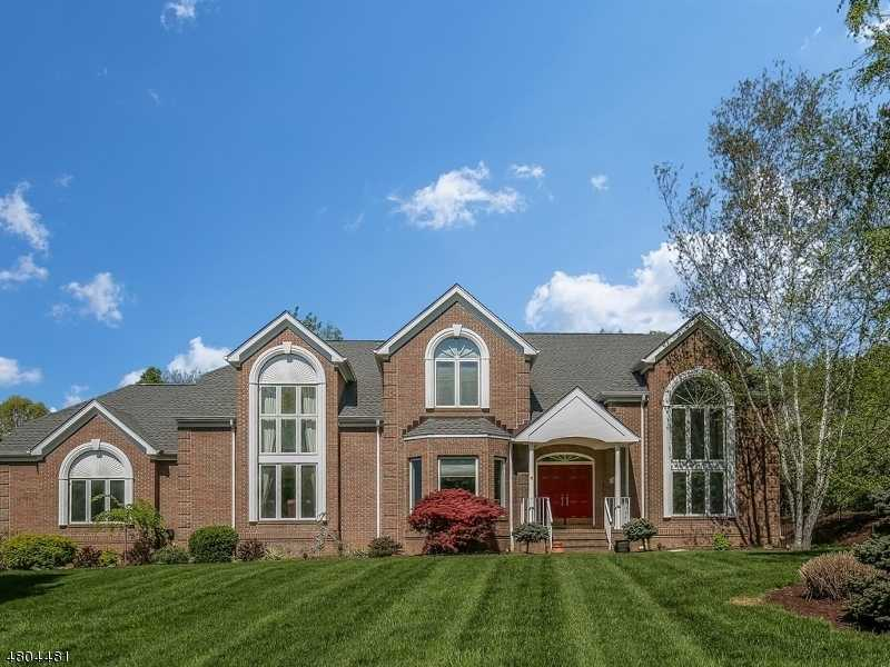 $959,000 - 4Br/3Ba -  for Sale in Beacon Hill, Chester Twp.