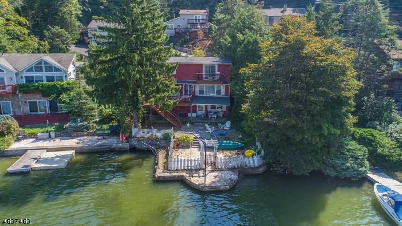 $689,900 - 3Br/3Ba -  for Sale in Lakefront - Greenwood Lake, Greenwood Lake