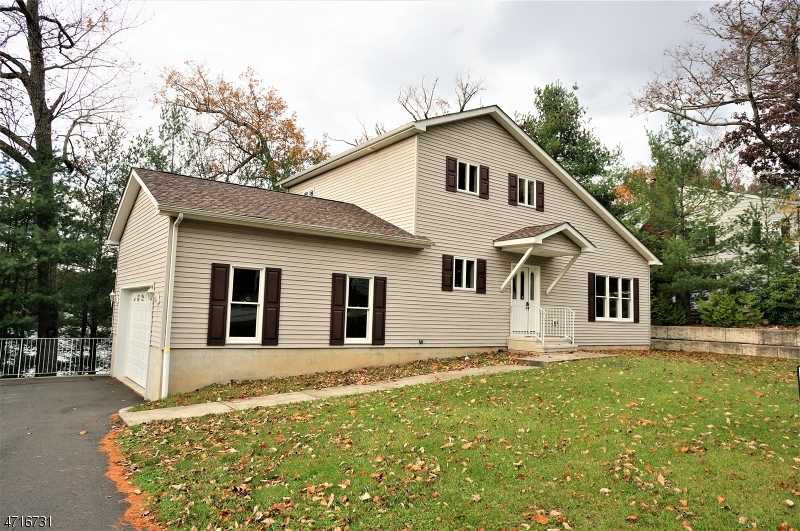 $279,000 - 3Br/3Ba -  for Sale in Holiday Lake - Hpcc, Montague Twp.