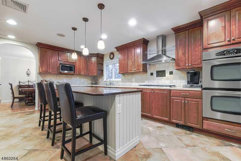 $599,000 - 3Br/3Ba -  for Sale in Berkeley Heights Twp.