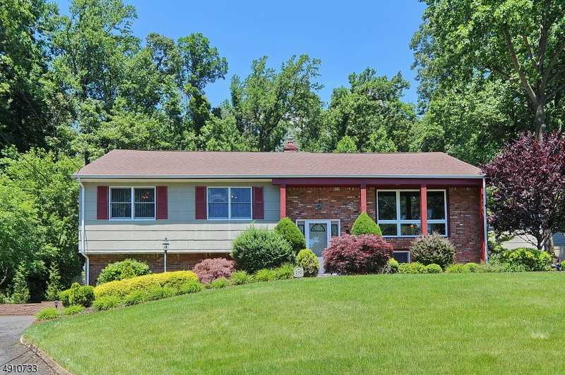 $749,000 - 4Br/3Ba -  for Sale in Mountainside Boro