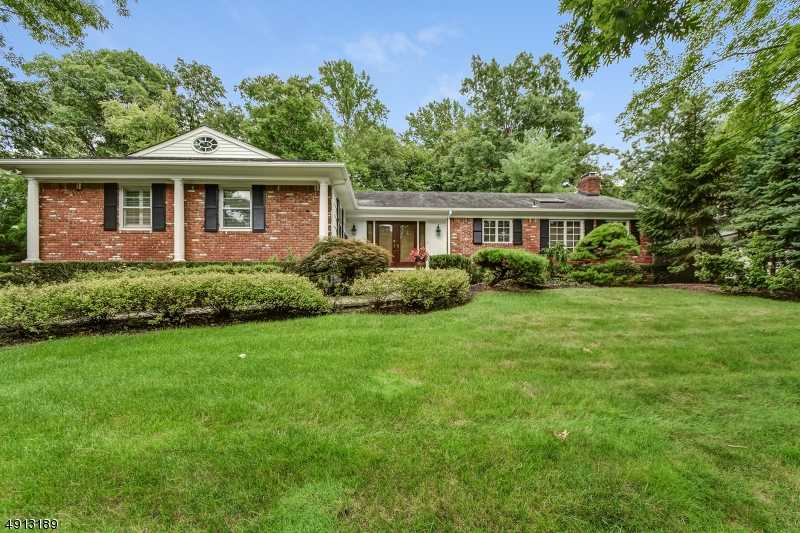 $1,448,000 - 4Br/4Ba -  for Sale in Deerfield, Millburn Twp.