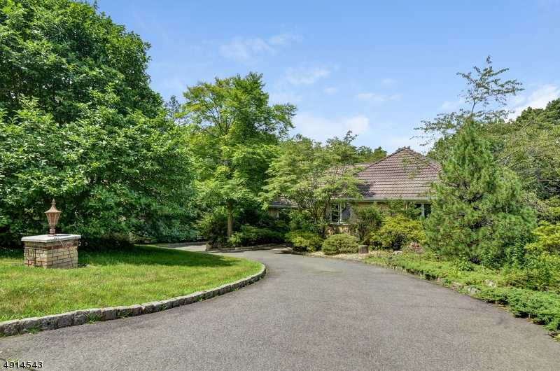 $949,000 - 5Br/5Ba -  for Sale in Baltusrol Top, Springfield Twp.