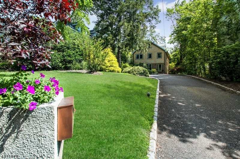 $948,000 - 4Br/3Ba -  for Sale in Glenwood-short Hills, Millburn Twp.