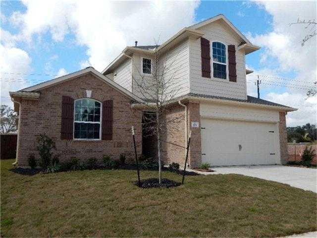 $317,053 - 4Br/3Ba -  for Sale in Woodshore, Clute