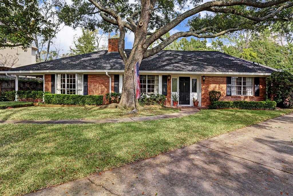 $769,000 - 3Br/3Ba -  for Sale in Briarcroft, Houston