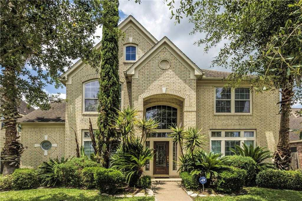 $319,570 - 4Br/4Ba -  for Sale in Riverpark Sec 12, Sugar Land