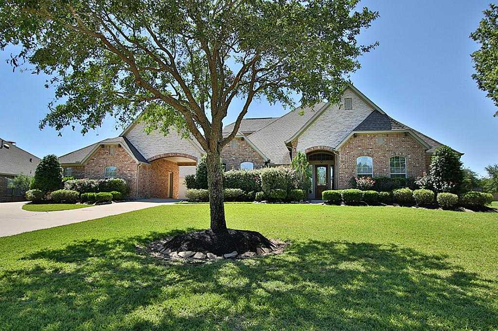 $640,000 - 4Br/5Ba -  for Sale in Lakes Of Fairhaven, Cypress