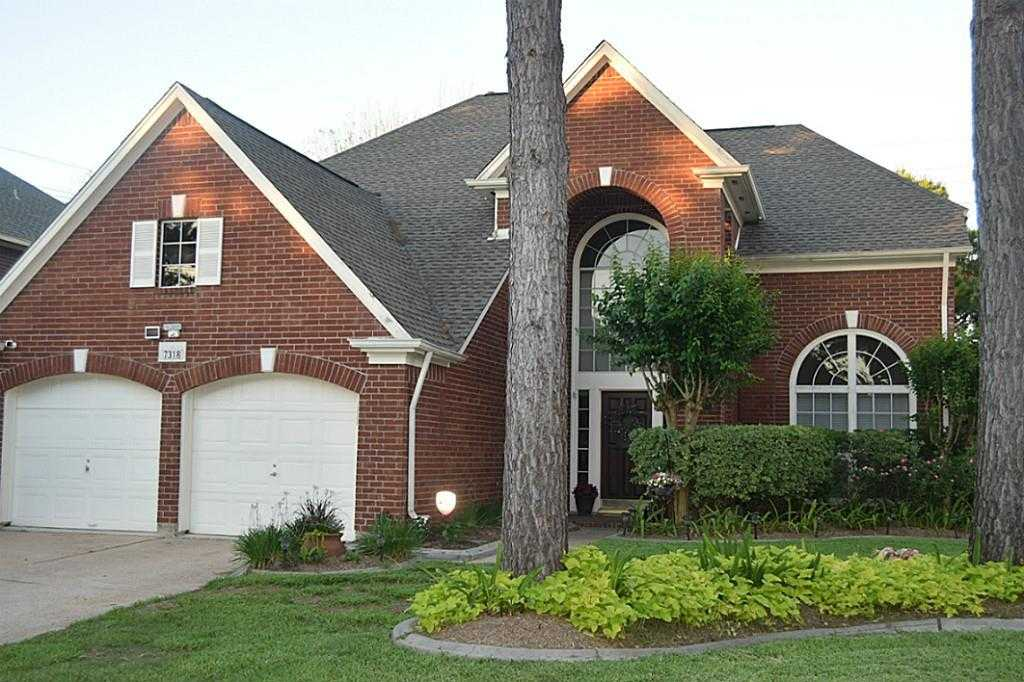 $249,900 - 4Br/3Ba -  for Sale in Copperfield Place Village 02, Houston