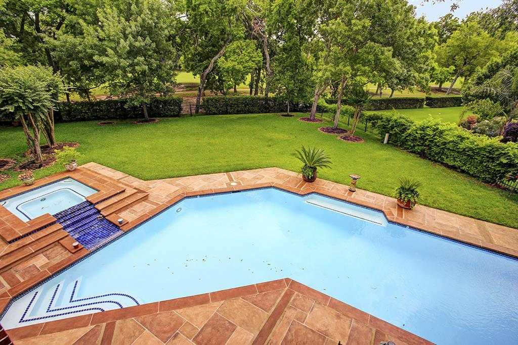 $1,050,000 - 4Br/4Ba -  for Sale in Sweetwater, Sugar Land