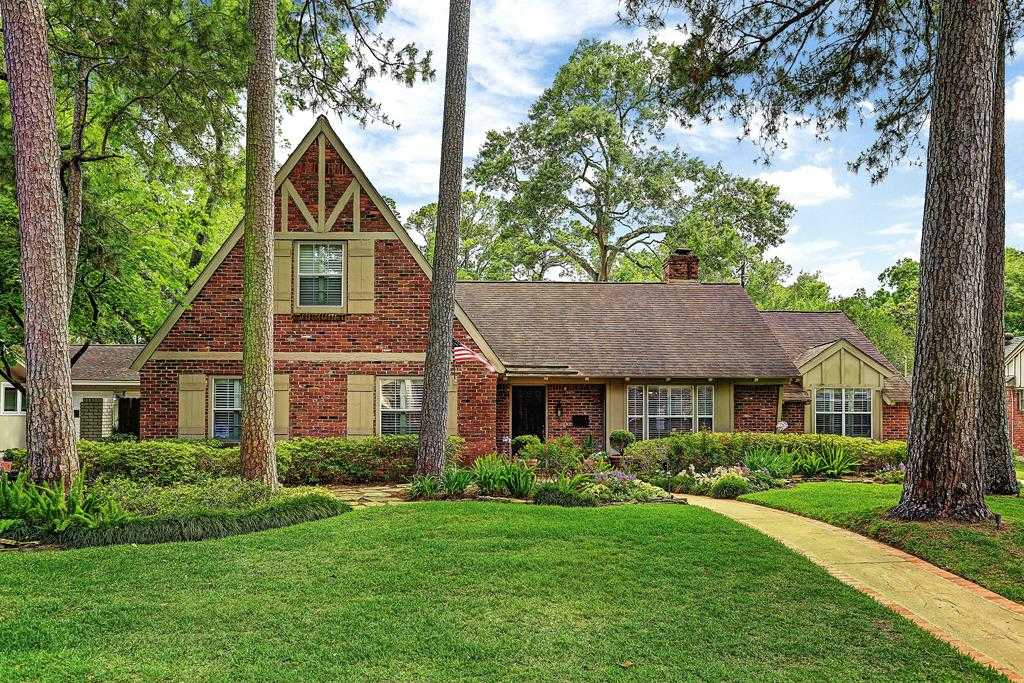 $925,000 - 4Br/3Ba -  for Sale in Memorial Forest, Houston
