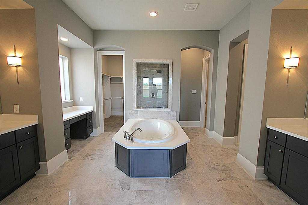 $579,511 - 4Br/4Ba -  for Sale in Tuscan Lakes, League City
