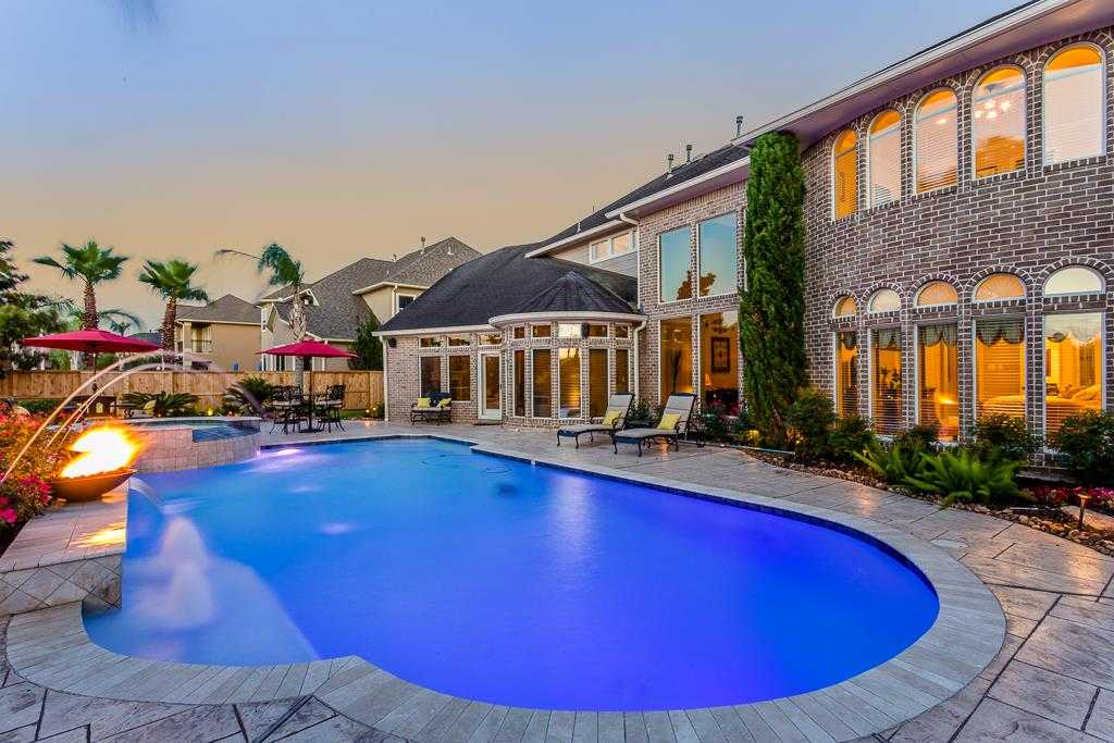 $650,000 - 4Br/4Ba -  for Sale in Greatwood Shores, Sugar Land