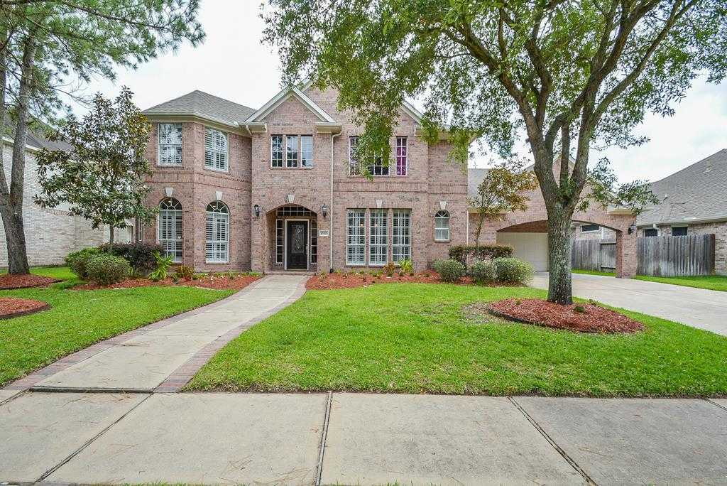 $299,900 - 4Br/4Ba -  for Sale in Stone Gate, Houston