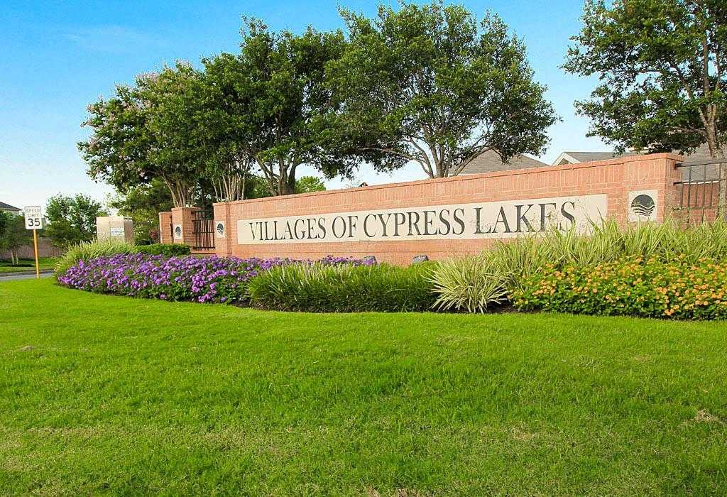 $315,000 - 5Br/4Ba -  for Sale in Villages Of Cypress Lakes 03,