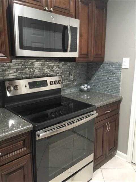 $199,000 - 3Br/2Ba -  for Sale in Wdlnds Village Panther Ck 03, The Woodlands