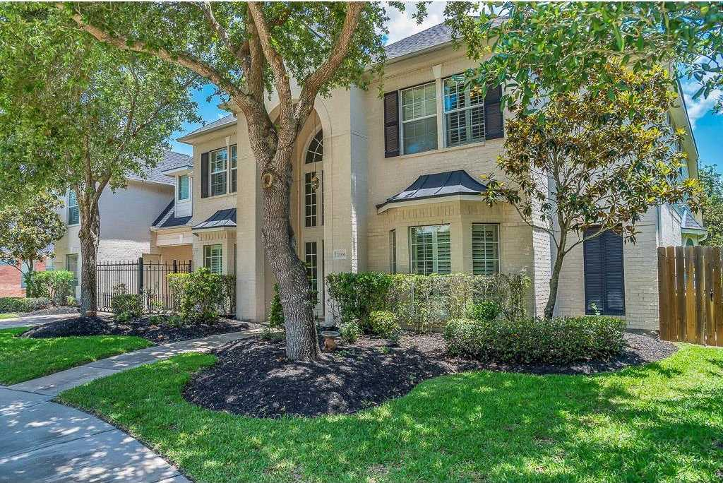 $580,000 - 5Br/4Ba -  for Sale in Grand Lakes, Katy
