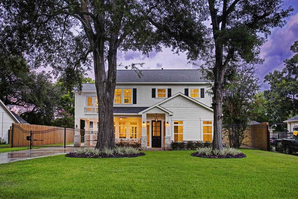 $1,099,999 - 5Br/5Ba -  for Sale in Garden Oaks, Houston