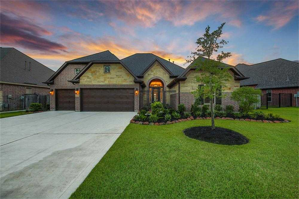 $544,900 - 4Br/4Ba -  for Sale in Lakes Of Cypress Forest, Spring