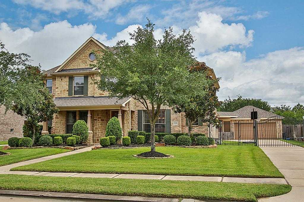 $349,900 - 4Br/4Ba -  for Sale in Copper Lakes, Houston