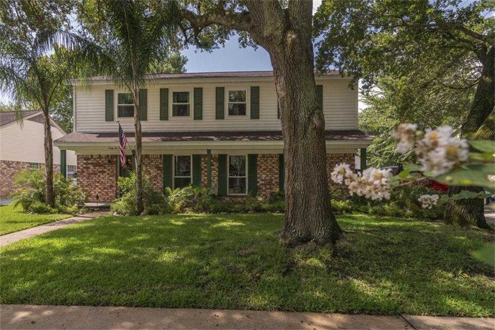 $259,000 - 4Br/3Ba -  for Sale in Clear Lake Forest,
