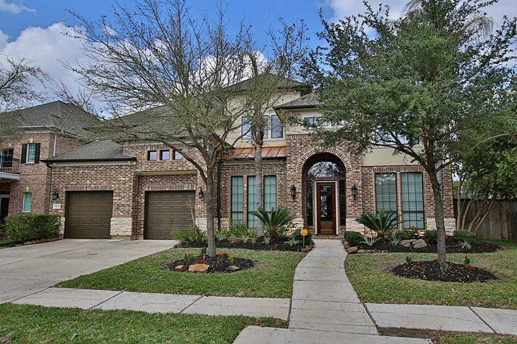 $629,900 - 4Br/4Ba -  for Sale in Greatwood Shores, Sugar Land
