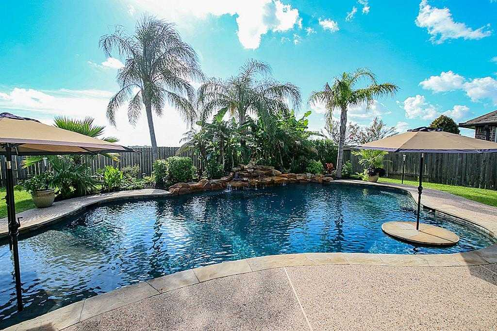 $450,000 - 5Br/4Ba -  for Sale in Victory Lakes, League City
