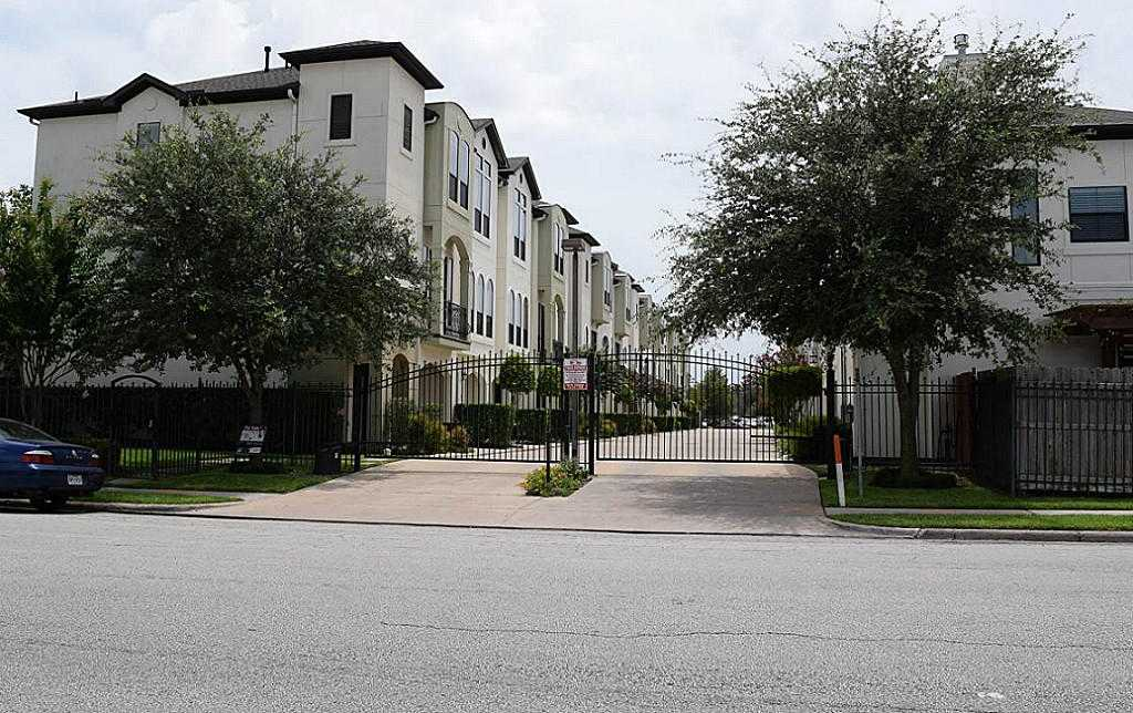 - 2Br/3Ba -  for Sale in Fairdale Place Reserve, Houston