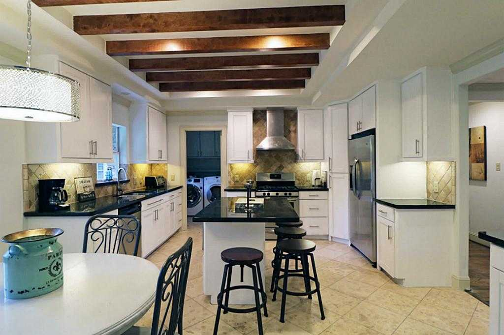 $799,995 - 4Br/3Ba -  for Sale in Briarcroft, Houston