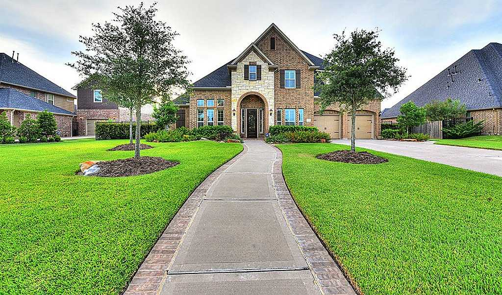 $549,900 - 5Br/5Ba -  for Sale in Firethorne, Katy