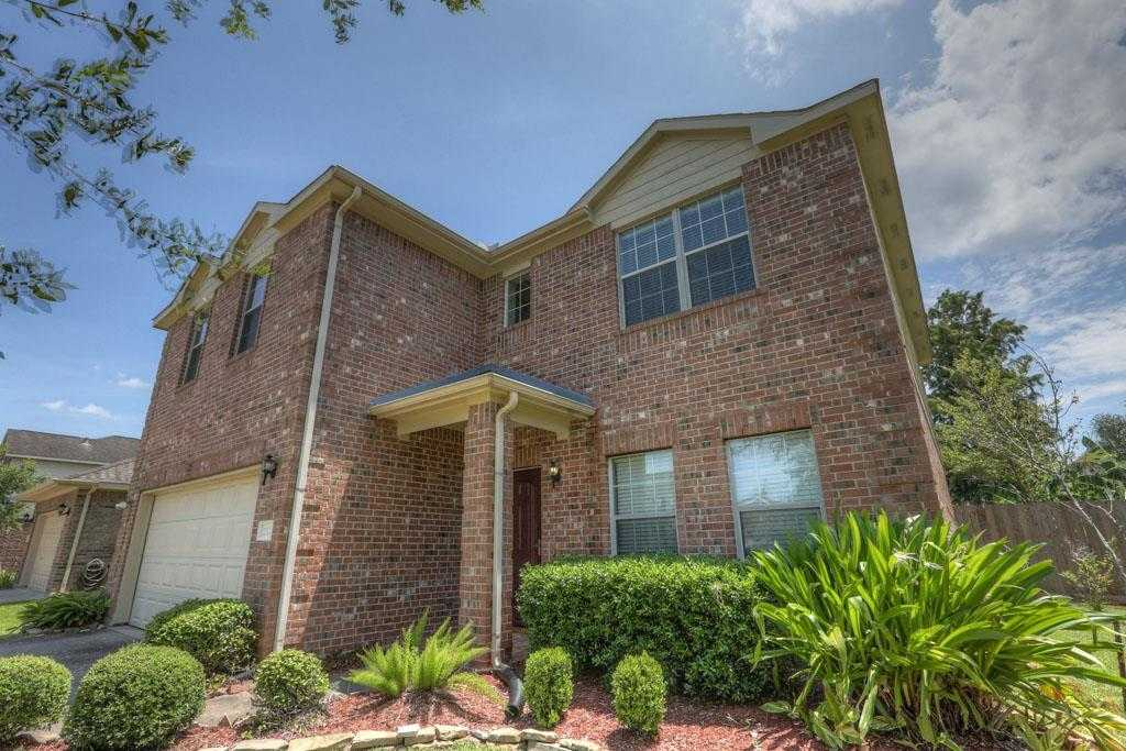 $260,000 - 4Br/3Ba -  for Sale in Brittany Lakes Sec 11 2005, League City