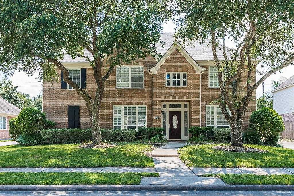 $439,800 - 5Br/4Ba -  for Sale in Pine Brook Sec 02, Houston