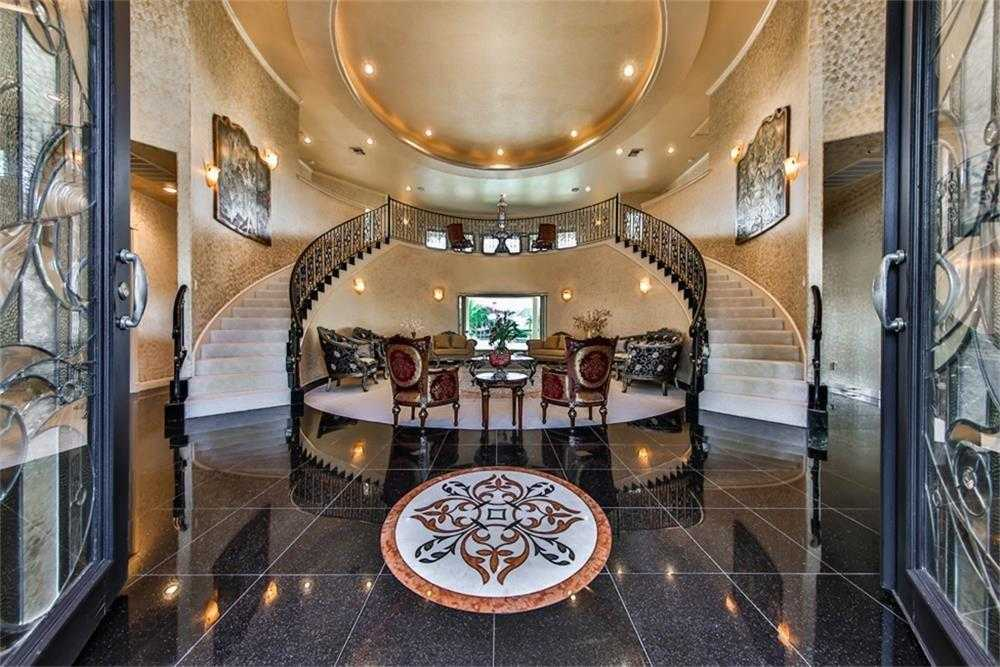 $1,690,000 - 4Br/6Ba -  for Sale in Taylor Lake Shores, Seabrook