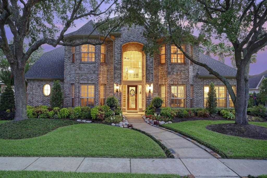 $615,000 - 4Br/4Ba -  for Sale in Bay Oaks, Houston