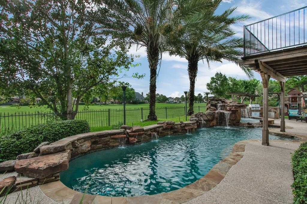 $435,000 - 4Br/4Ba -  for Sale in Hearthstone, Houston