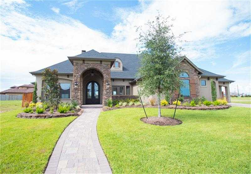 $1,050,000 - 5Br/6Ba -  for Sale in Towne Lake, Cypress