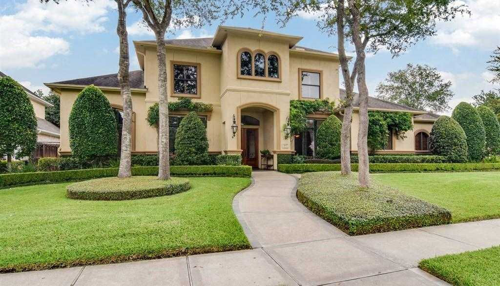 $749,000 - 4Br/5Ba -  for Sale in Bay Oaks, Houston