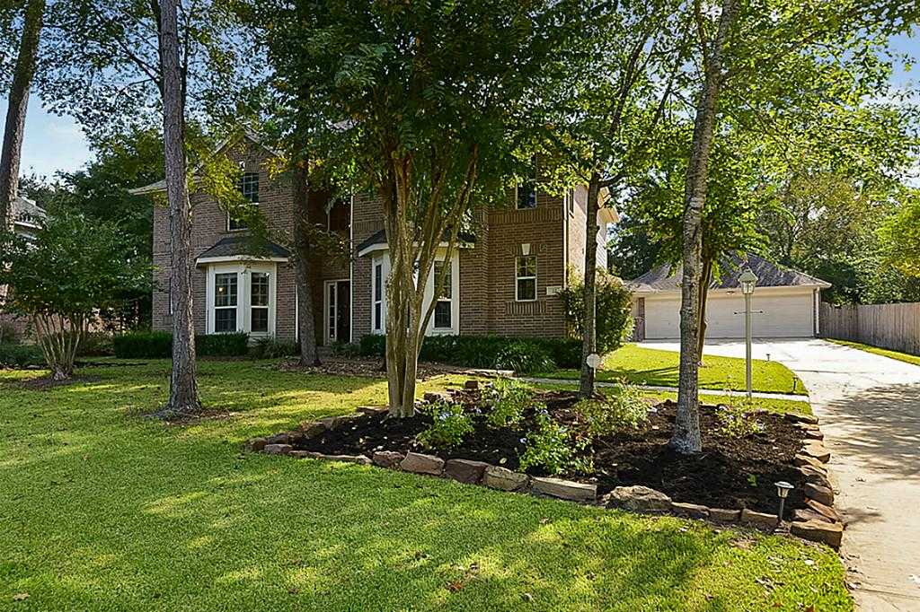 $529,900 - 4Br/4Ba -  for Sale in Indian Springs, The Woodlands