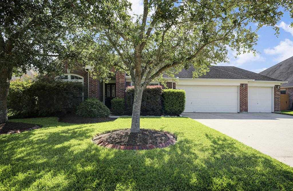$275,000 - 4Br/3Ba -  for Sale in Brittany Lakes, League City