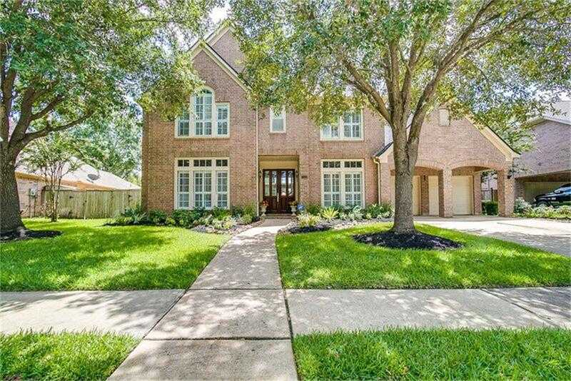 $565,000 - 4Br/4Ba -  for Sale in Greatwood Manor, Sugar Land