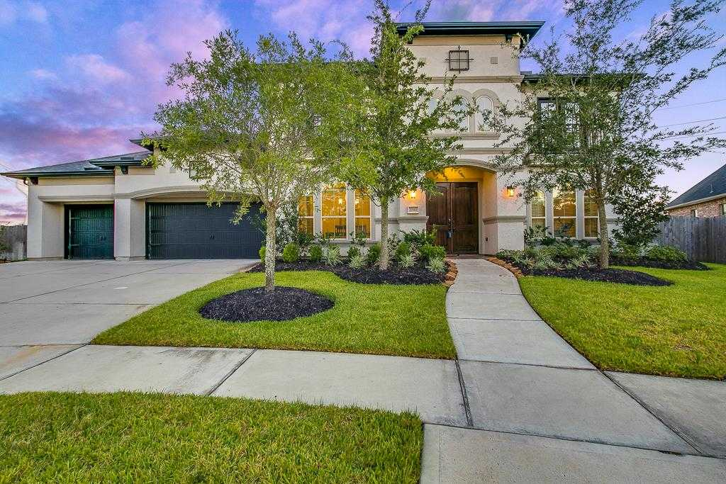 $625,000 - 5Br/5Ba -  for Sale in Firethorne Sec 28, Katy