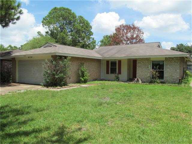 $106,000 - 3Br/2Ba -  for Sale in Willowood Sec 01, Houston