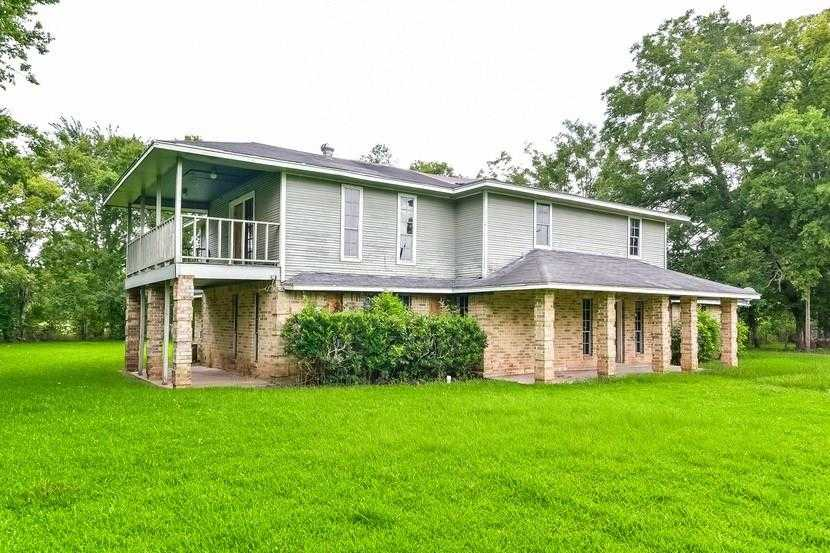 $307,400 - 4Br/4Ba -  for Sale in A Robinson, Rosharon